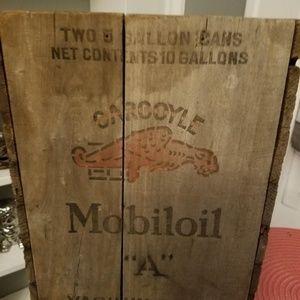 Vintage Gargoyle mobileoil box